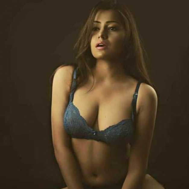 Booking Expert Indian Call Girls in Dubai